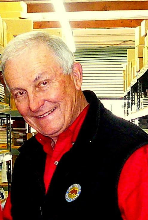 Lowell Lindsay